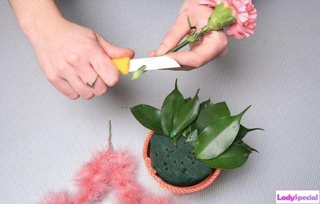 Обрезка цветов в композиции своими руками