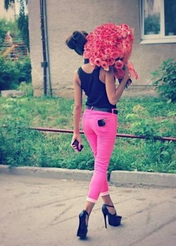 Девушка и цветы